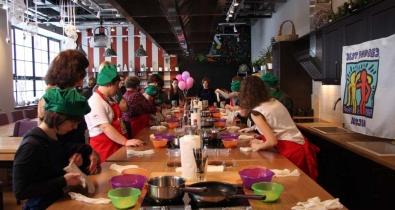 Заставка для - «Лучшие Друзья − Россия» в кулинарной студии Юлии Высоцкой