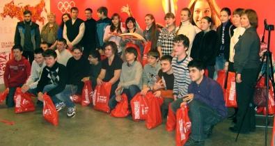 """Заставка для - «Лучшие Друзья — Россия» посетили выставку вместе с """"Coca — Cola"""""""