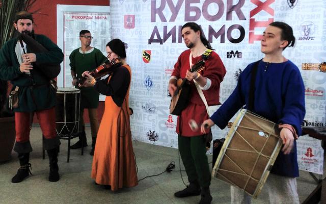 Заставка для - Вперед в Средневековье