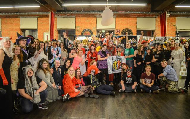 Заставка для - «Ужасы» на шоколадной фабрике: как «Лучшие друзья» отметили Хеллоуин