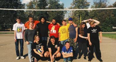 Заставка для - «Лучшие друзья» за спорт: как прошла тренировка по волейболу