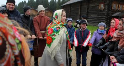 Заставка для - Встреча осени с зимой: «Лучшие друзья» отметили Покров день