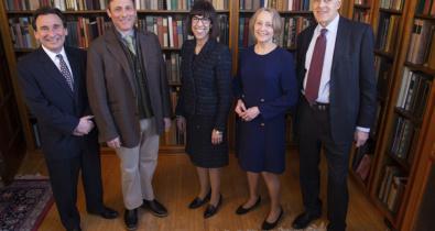 Заставка для - Денис Роза получила награду премии «Alumni Achievement Award – 2020»