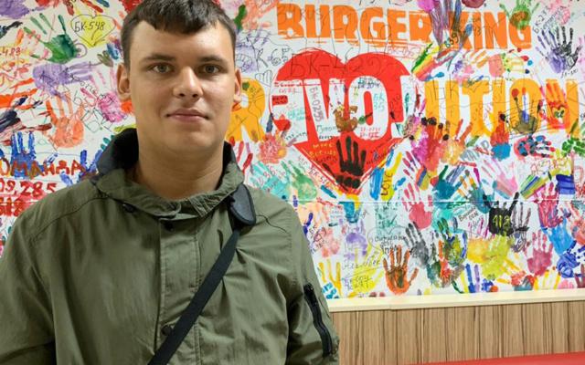 Заставка для - «Я сегодня бодрый и буду всем помогать!»: история Михаила Карпова