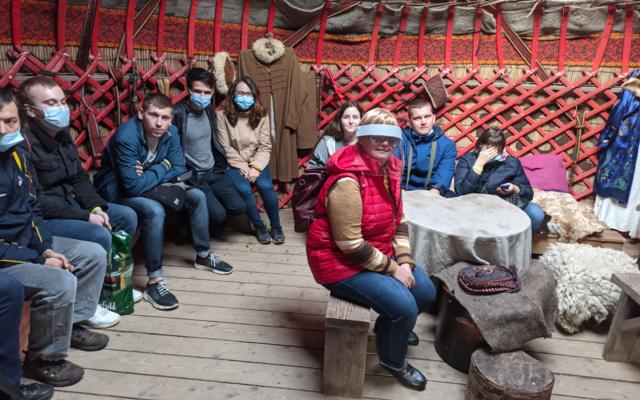 Заставка для - Гладим лам и играем на глюкофоне: «Лучшие друзья» в этнопарке