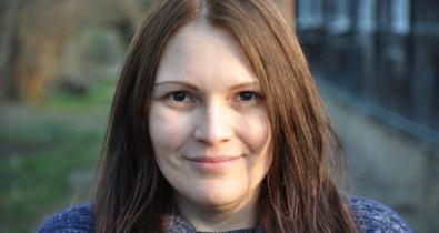 Заставка для - 10 глупых вопросов про аутизм: отвечает Антонина Стейнберг