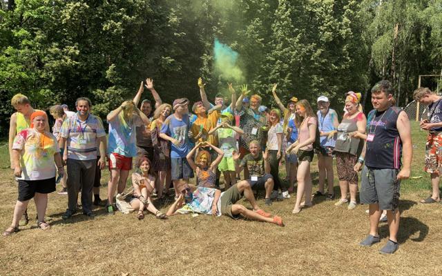 Заставка для - Вырасти за неделю: как прошел летний лагерь «Лучших друзей»
